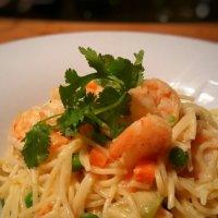 Pâtes aux crevettes thaï: Quand le curry cajole les fruits de mer...