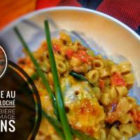 """Mac & cheese au smoked meat effiloché, paprika fumé, bière rousse & fromage en grains: Plaisir fromagé en mode """"de luxe""""..."""