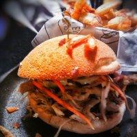 """Sandwich au porc effiloché & sa rémoulade de légumes """"pickle minute"""" : Hommage aux foodies..."""